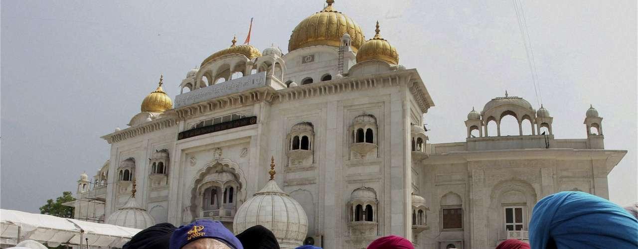 En Nueva Delhi, la embajadora norteamericana en la India ofreció las condolencias al pueblo indio.