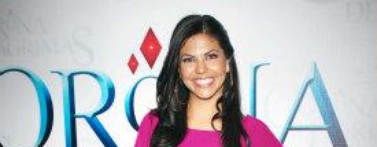 La actriz, que interpretó a 'Remedios' en la telenovela 'Amorcito Corazón' (también de Televisa en el 2011) celebró su ingreso al elenco con un mensaje en Twitter que decía: \