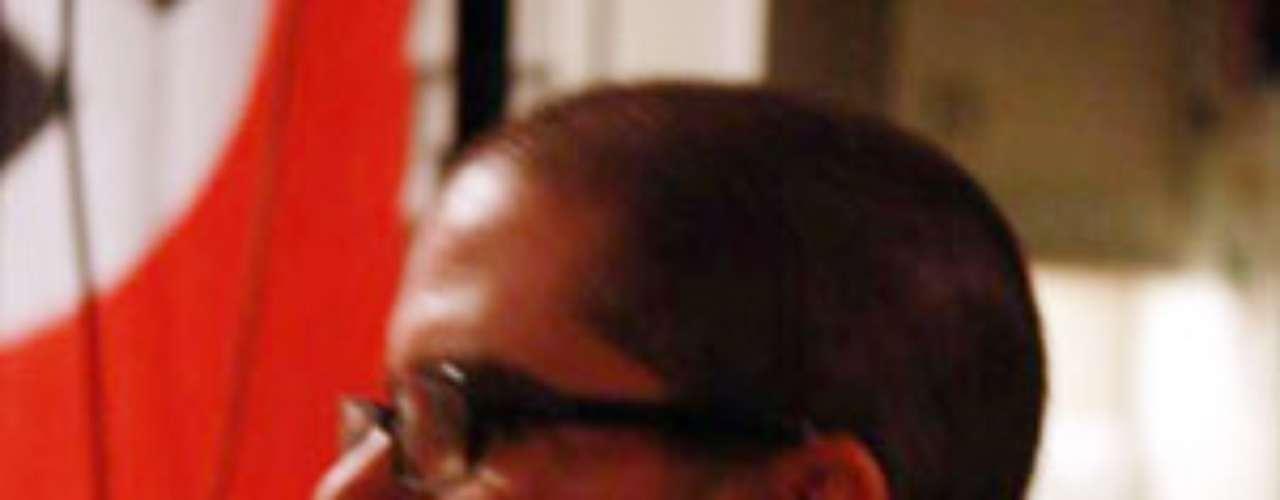 El hombre que asesinó a seis personas en un templo sikh de Wisconsin tocaba en bandas de metal pesado que pregonaban la supremacía de la raza blanca y frecuentemente hacía comentarios en ciberforos de los cabezas rapadas, donde exhortaba a sus miembros a apoyar su causa.
