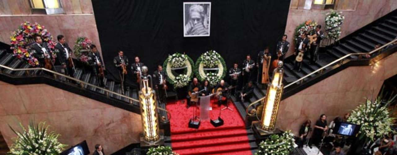 Homenaje de Cuerpo Presente, realizado en el Palacio de Bellas Artes en honor a la cantante Chavela Vardgas, fallecida este fin de semana a los 93 años de edad.