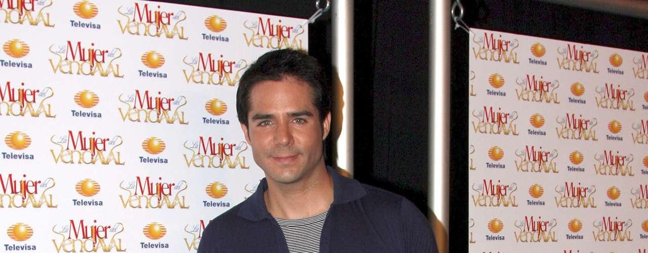 José Ron será 'Alessandro', un joven citadino que busca conquistar el amor de 'Marcela Morales'.