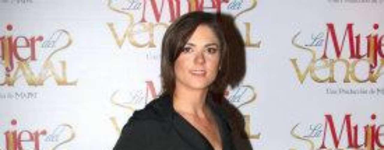 La aparición del equipo de actores de 'La Mujer Del Vendaval' se hizo en el foro 14 de Televisa, en la Ciudad de México, sitio donde se realizan la mayor cantidad de novelas de esa cadena de televisión.