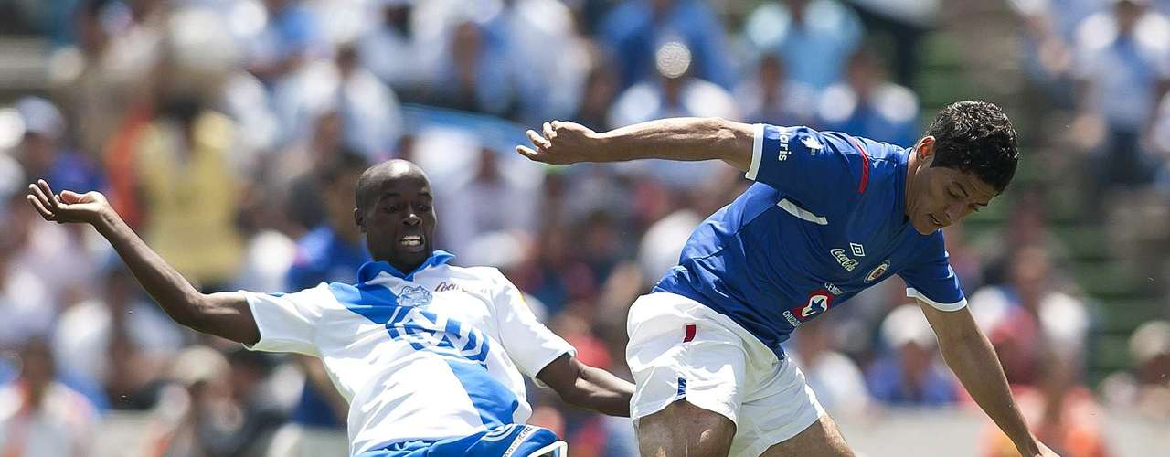 Puebla looks to get its first win in the Apertura 2012 and finish Cruz Azuls unbeaten streak. The teams tied 1-1 in their last meeting.