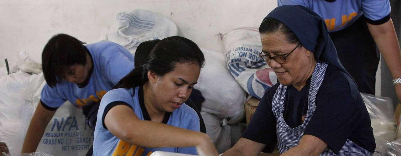 El Ministerio de Sanidad ha declarado la máxima alerta y ha pedido a los vecinos que acudan al centro médico más cercano al menor síntoma de fiebre o dolor muscular.