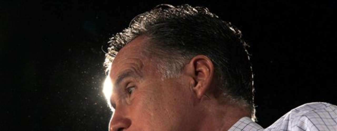 Quizás la función política del vicepresidente no sea tan decisiva como la del presidente. Sin embargo, reside en la elección del vice una de las decisiones más difíciles de toda campaña presidencial, más aún cuando las encuestas no muestran diferencias entre candidatos. Mitt Romney está en una encrucijada. ¿Complacer al Tea Party? ¿Tratar de convencer a los hispanos indecisos? Hasta ahora, la respuesta nadie la sabe. Lo que sobran son candidatos...