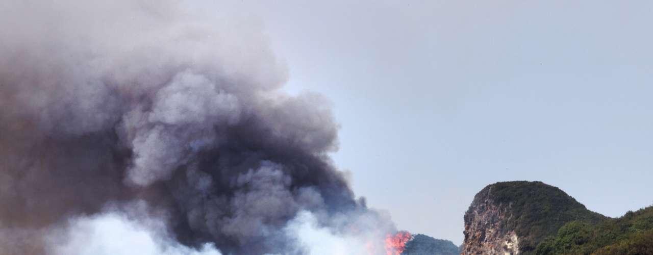 Tras vivir la peor sequía de los últimos 70 años, España ha sufrido este verano los incendios más devastadores de la última década: entre el 1 de enero y el 5 de agosto, han ardido más de 132.000 hectáreas en todo el país, según el ministerio de Agricultura. (Fuente: EFEAFP)