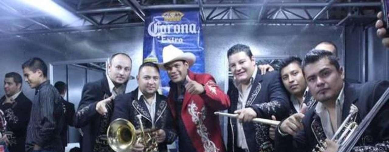 Marco Antonio Flores, líder y vocalista de La Número 1 Banda Jerez, fue liberado luego que sus familiares pagaron un rescate por alrededor de los $760 mil dólares.  El músico, que fue secuestrado en Zacatecas, México en el momento que se dirigía a un racho de su propiedad, expresó en una entrevista publicada en la página TVyNovelas.com que siente como si hubiera vuelto a la vida. \