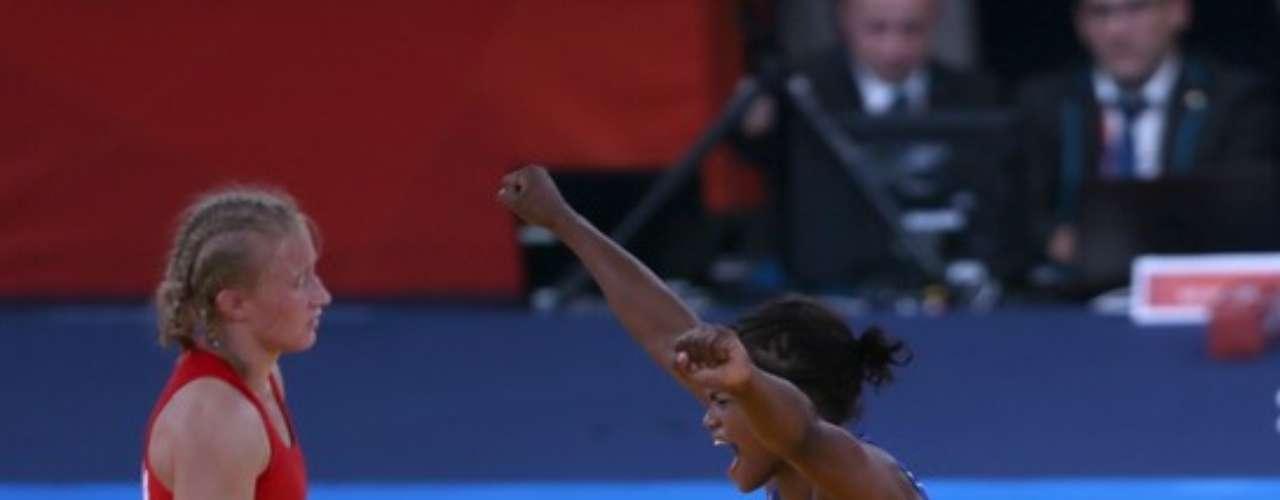 Jackeline se convirtió en la primera mujer y el segundo deportista en sumar dos medallas en los juegos olímpicos