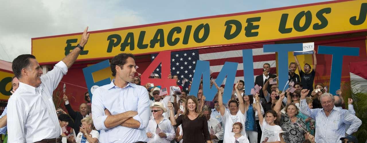 Más allá de la política, los Estados ansían ser los escogidos para celebrar la convención, debido a que representa un impulso económico en el lugar por la cantidad personas que atienden a estas actividades políticas.