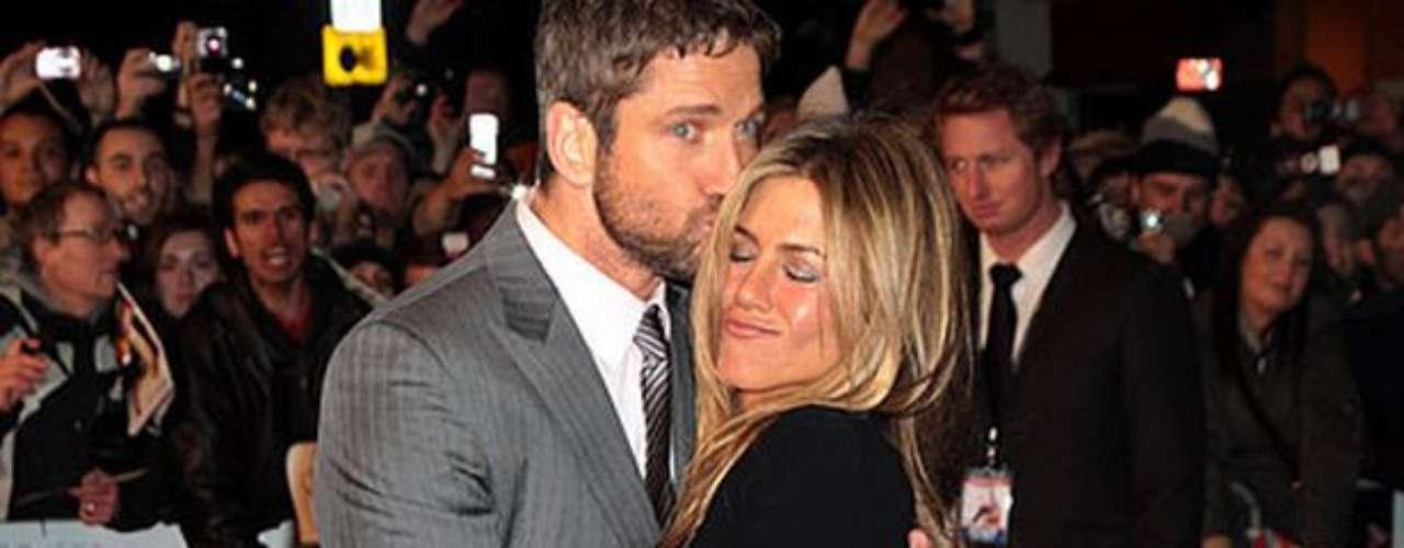 Gerard Butler - 2008. Otro supuesto romance que vivió Aniston fue junto a su coestrella en la cinta 'The Boudy Hunter'.Al parecer la pareja salió durante un tiempo pero decidieron ser solamente amigos.