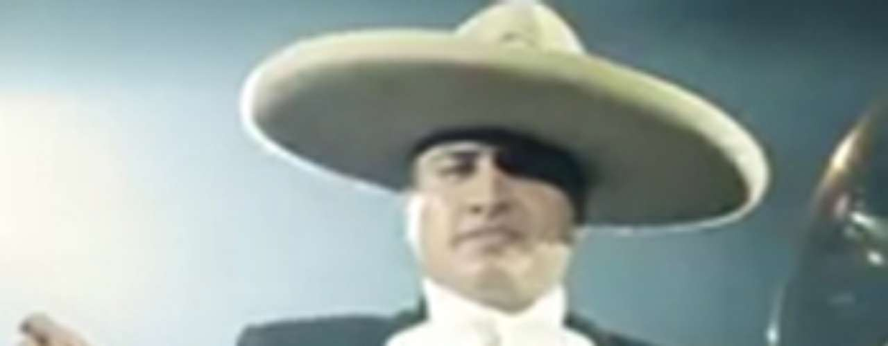 Julión Álvarez se vistió de charro en Guadalajara para cantar \