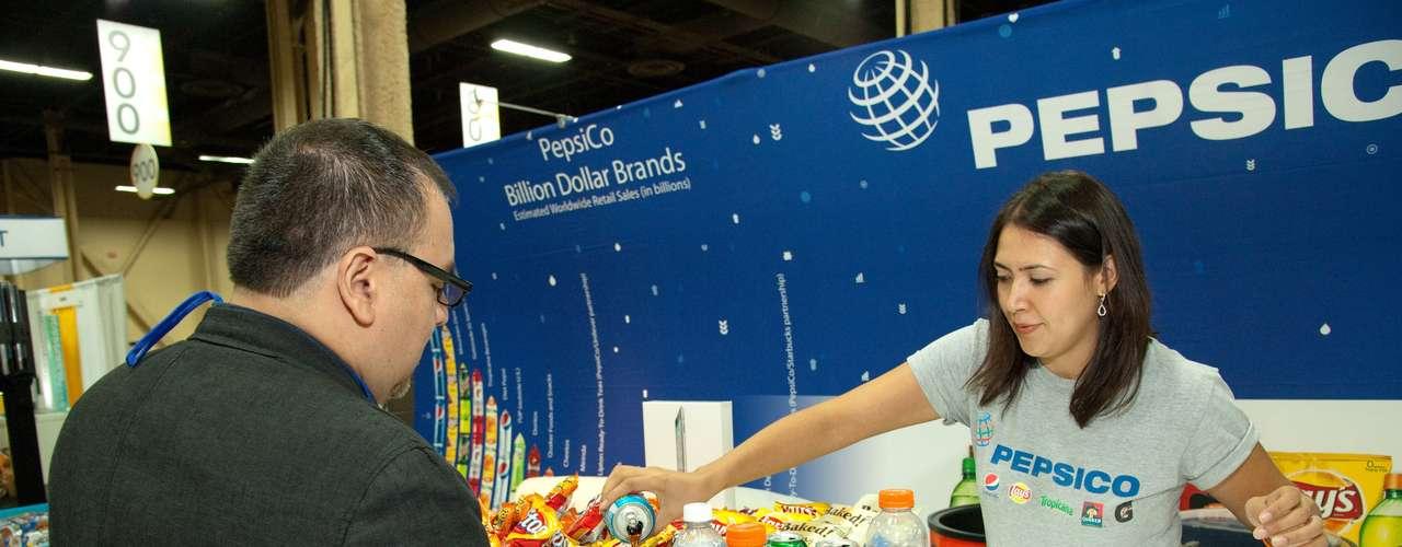 PepsiCo dijo presente en el salón del Expo para deleitar a los presentes con sus productos y rifó un iPad, mediante un concurso virtual.