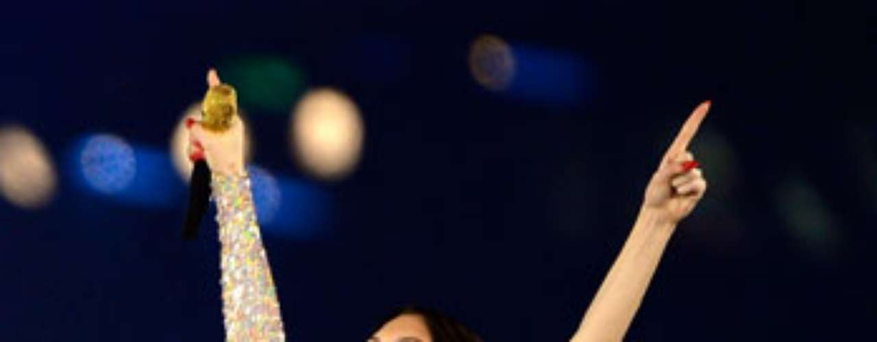Jessie J prendió el ambiente en la clausura de los Juegos Olímpicos Londres 2012, al hacer su performance con este ajustado traje.