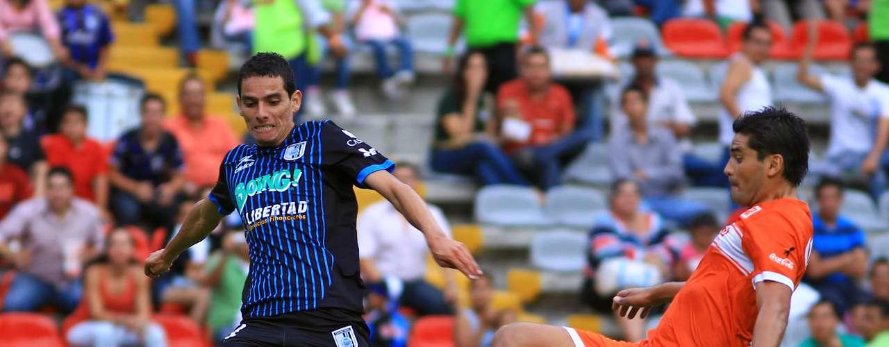 Emmanuel Tapia es la apuesta de Carlos De los Cobos para acompañar a Carlos Bueno en el eje del ataque.