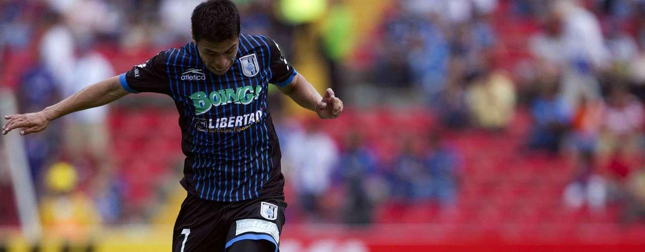 Gonzalo Pineda es otro de los hombres de experiencia de Querétaro que tiene que mostrar su calidad en beneficio del equipo.