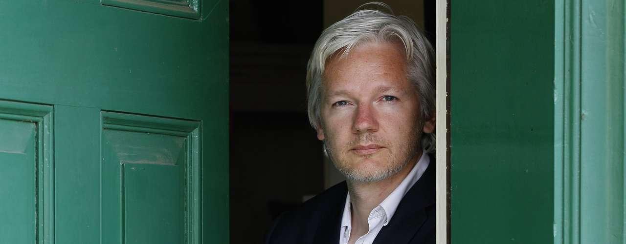 Assange es la pesadilla de Washington desde la difusión a partir de 2009 de cientos de miles de documentos estadounidenses, mensajes militares secretos sobre las guerras de Irak y de Afganistán y cables diplomáticos confidenciales.