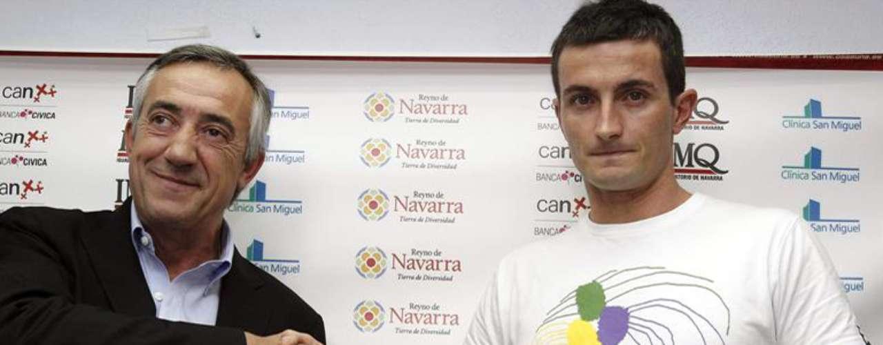 El delantero guipuzcoano Joseba Llorente, nuevo fichaje de Osasuna. El jugador fue cedido por la la Real Sociedad. Llorente constituye uno de los  fichajes del Osasuna para la próxima temporada.