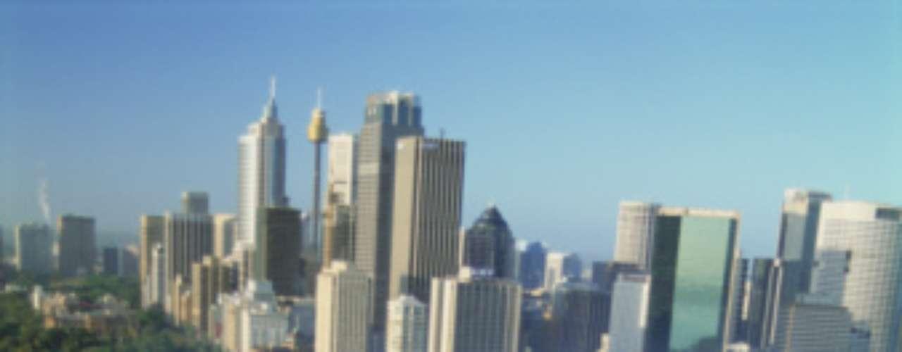 Sydney, con ese majestuoso edificio de la Ópera, se ubica en el lugar siete. Es una de las ciudades más multiculturales del mundo, y se refleja en su rol de principal destino para inmigrantes de ese país. Ha figurado en estudios de ciudades más caras a nivel mundial.