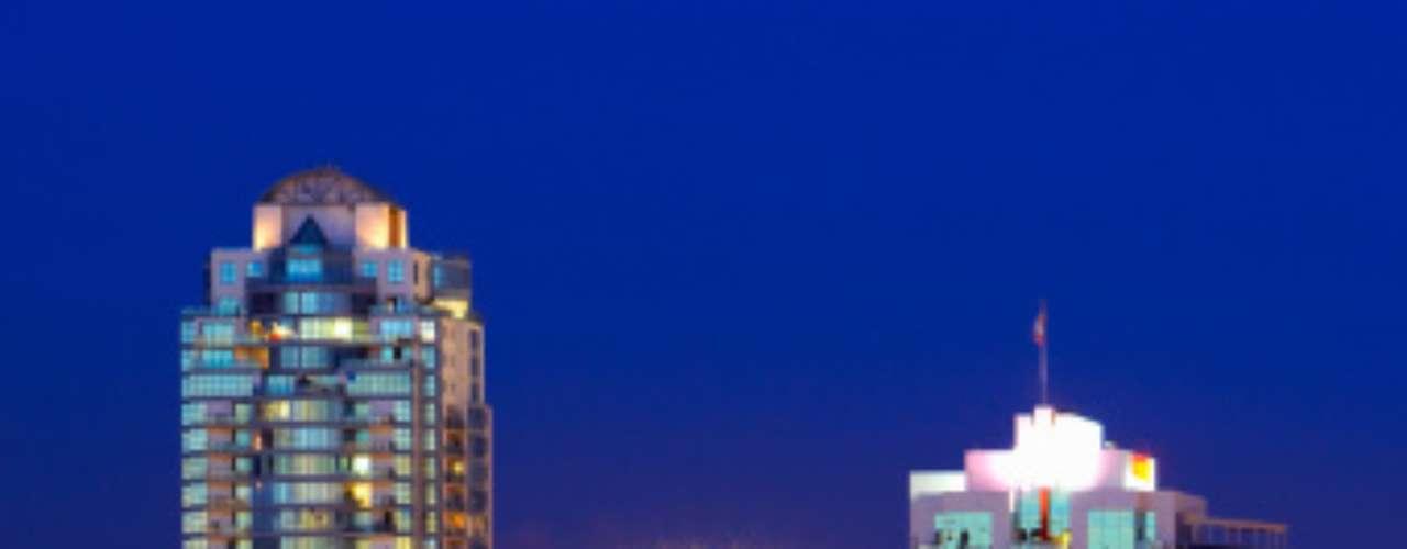 Vancouver, en Canadá, ocupa el lugar número tres del estudio. Su calidad en cultura, gobierno, población, costumbres, entre otros factores, la han hecho destacar por varios años como una de las mejores ciudades para vivir.