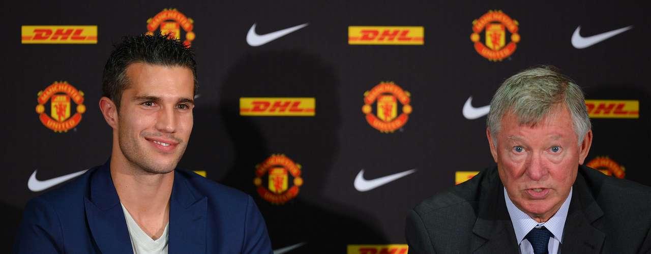 En su presentación, dio una conferencia de prensa con el técnico Sir Alex Ferguson.