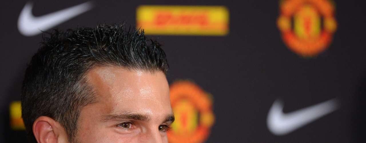 El futbolista había militado con el Feyenord de Holanda y el Arsenal de Inglaterra.
