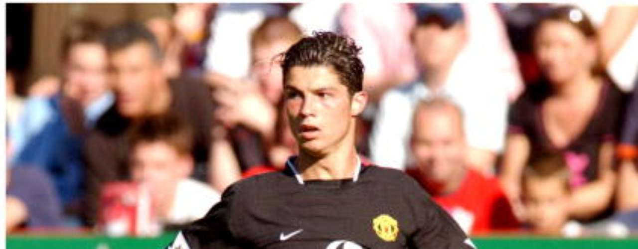From his debut with the Red Devils he surprised fans with his speed and ability.