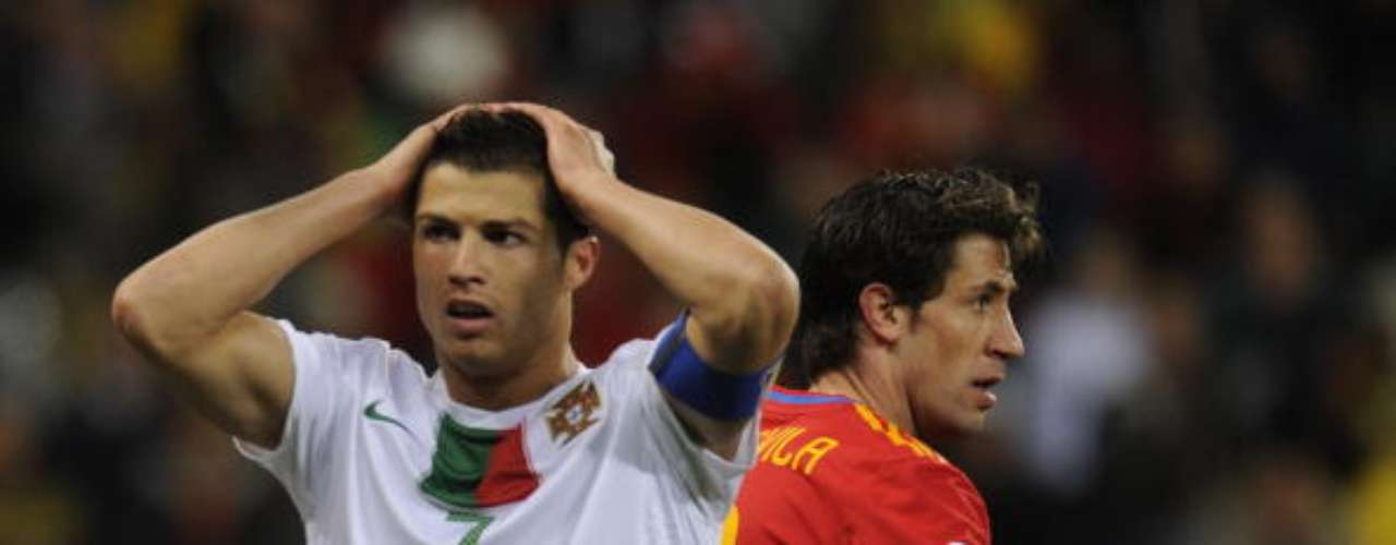 CR7 again disappointed with the national team as Portugal was eliminated by Spain in the Round of 16 in the South Africa 2010 World Cup.