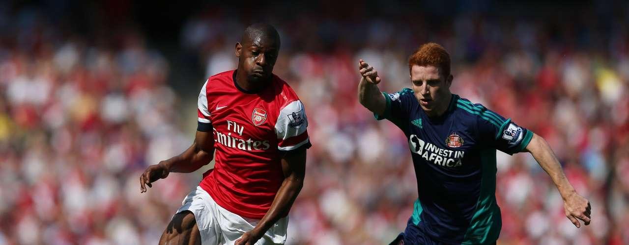 Arsenal enfrentó su primer partido sin Van Persie en la plantilla.