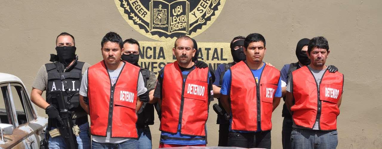 Los detenidos son identificados como José Ángel Álvarez Lázaro, de 36 años, alias \