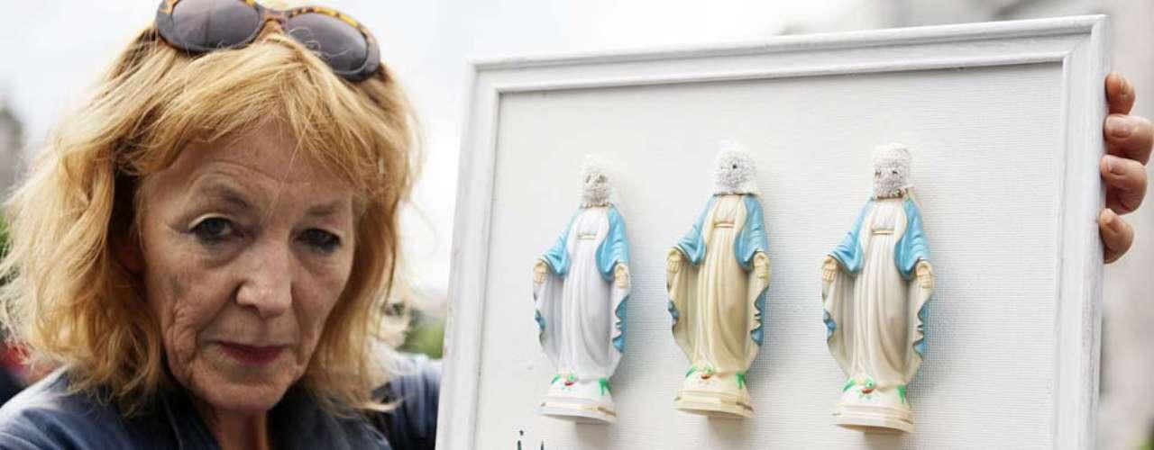 La escritora y feminista irlandesa, Rosita Sweetman, se unió a las protestas en la calle O'Connell en Dublín.