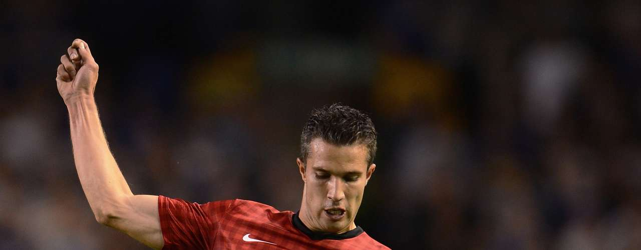 Robin van Persie of Manchester United in action during the Barclays Premier League match between Everton and Manchester United at Goodison Park on August 20, 2012 in Liverpool, England.