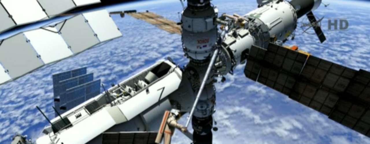 Si tienen tiempo, los cosmonautas rusos también recogerán en el módulo Pirs varios equipos en el marco del experimento Biorisk, cuyo objetivo es estudiar el impacto de la radiación cósmica y que deben ser enviados de regreso a la Tierra.