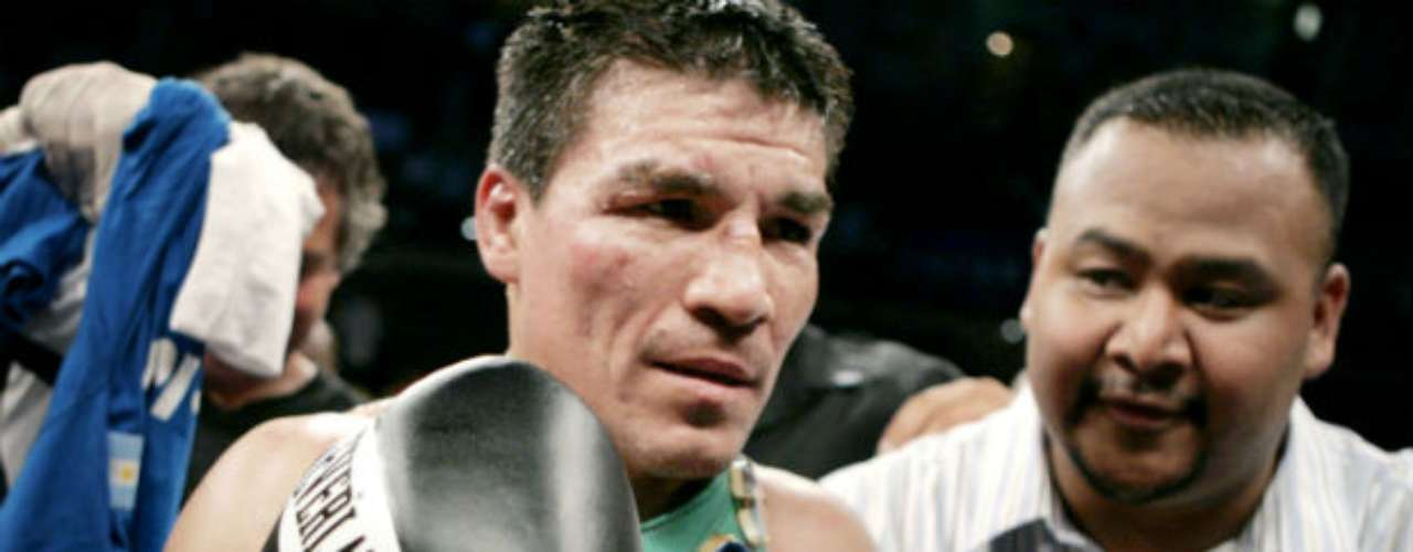 Carlos 'Tata' Baldomir, was a welterweight champoin whose career record was 48 wins, 14 losses and six draws. In a great fight, he lost his title to Floyd Mayweather Jr. by unanimous decision in 2006.