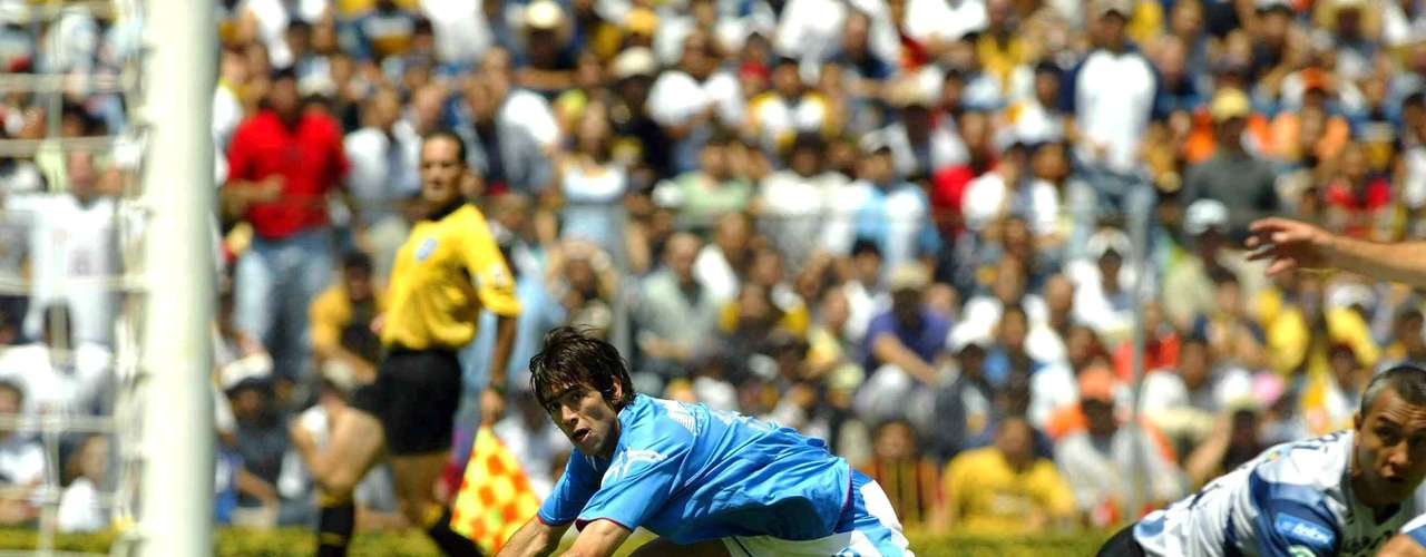 The vengeance for Cruz Azul did not take long. In the Apertura 2005 they destroyed Pumas 5-0 in one of the best individual performances by Cesar Delgado.