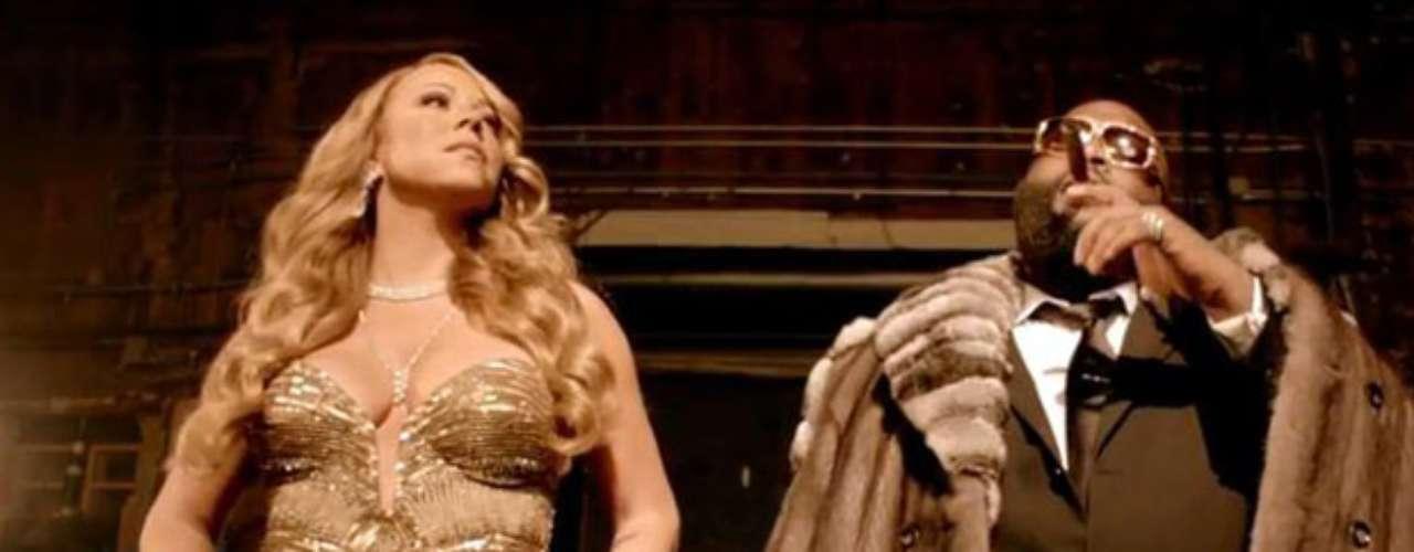 Además, también se mete en la piel de una glamorosa y bella dama de compañía.