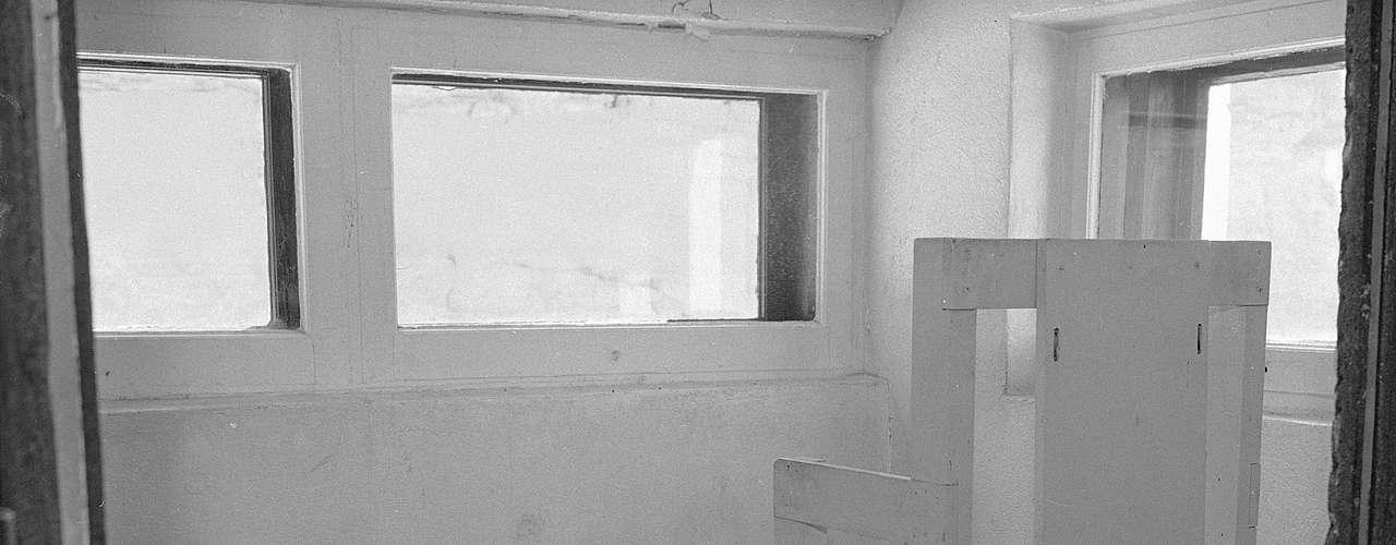 Se estima que, en promedio, un condenado a muerte pasa más de diez años a la espera de su ejecución debido al lento proceso de apelaciones y contra apelaciones que suele caracterizar este tipo de casos en el corredor de la muerte.