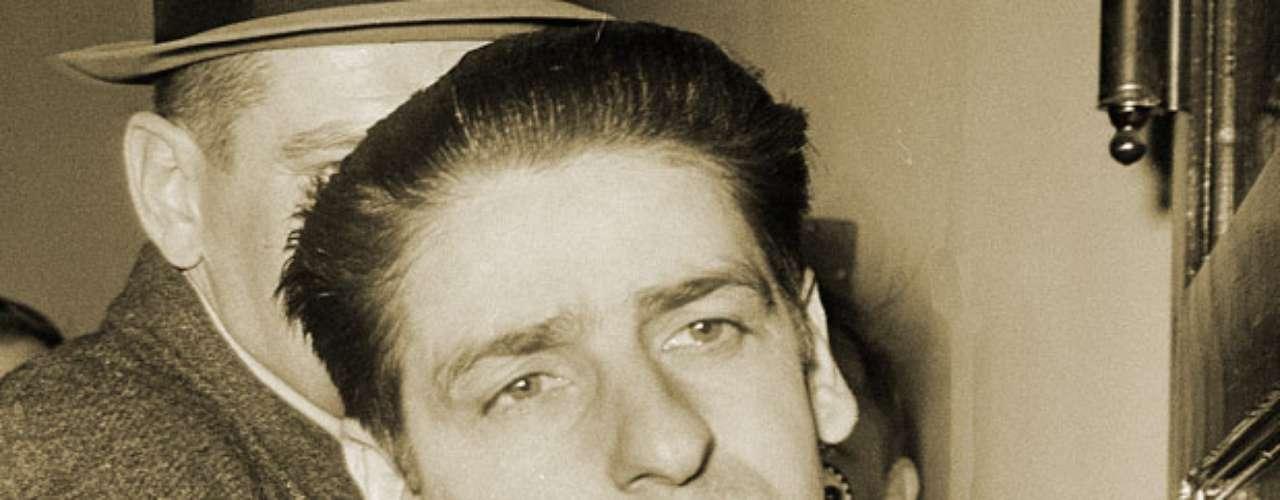 Albert DeSalvo, 'El estrangulador de Boston', fue un criminal que asesinó a 13 mujeres en el área de Boston, Massachusetts, entre el 14 de junio de 1962 y el 4 de enero de 1964.