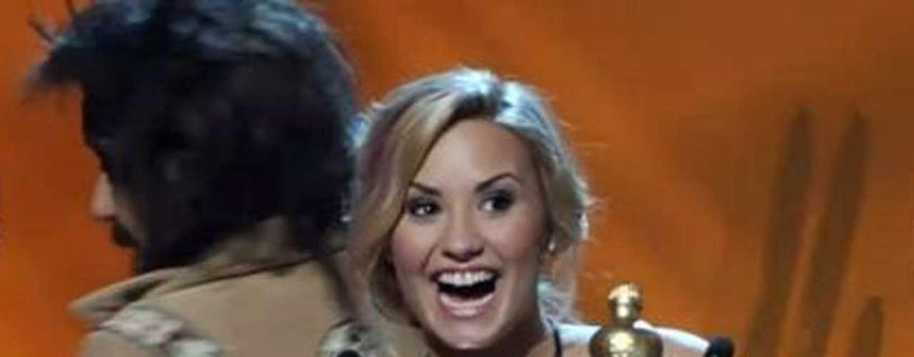 La bella Demi Lovato se llevó a casa los trofeos a \