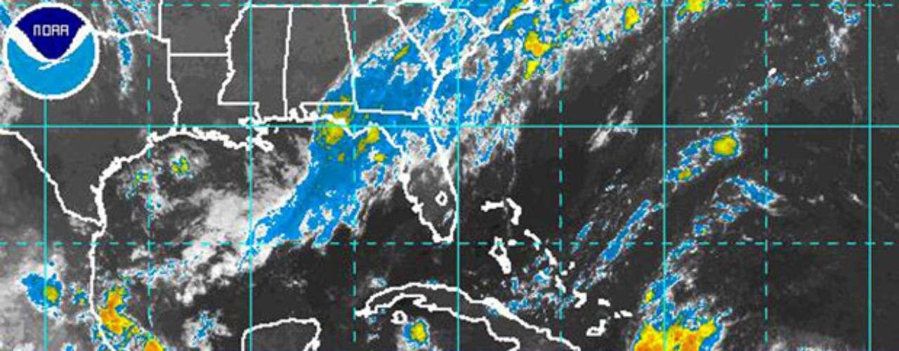 Isaac se proyecta que se debilite a tormenta tropical sobre Haití y que luego pase sobre Cuba, antes de fortalecerse en un huracán en el Estrecho de la Florida entre Cuba y la Florida. Su ruta exacta después sigue siendo incierta.