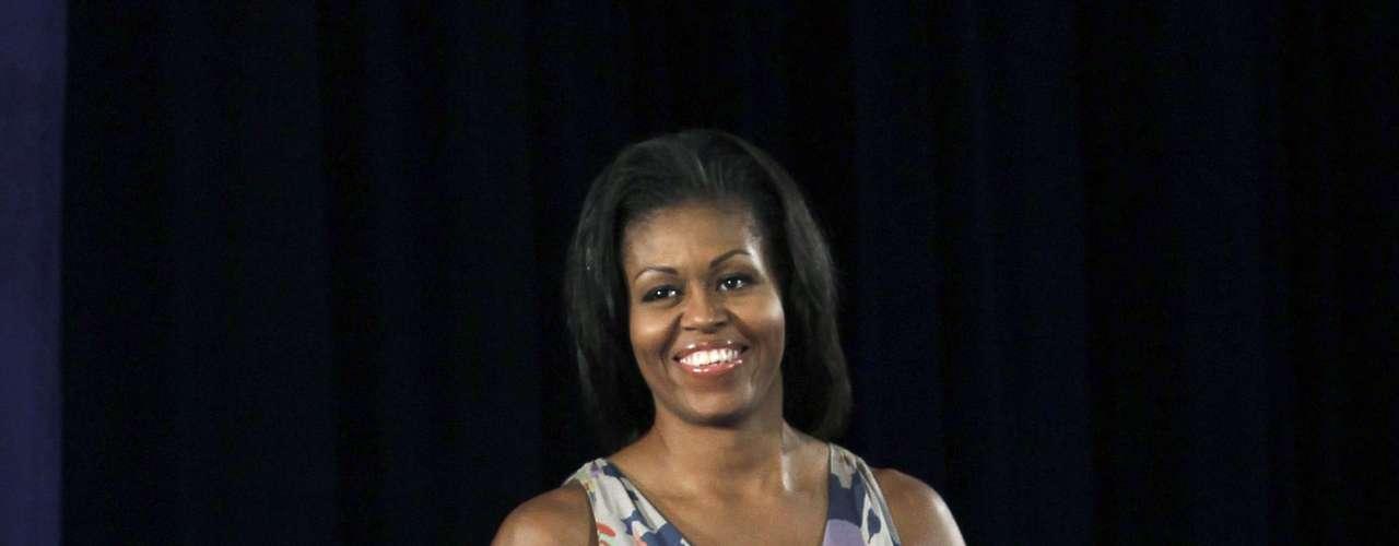 Michelle Obama también visitó  la estación naval de Mayport para reunirse con familiares de militares y anunciar grandes logros en materia de creación de empleo para veteranos y esposas de militares.