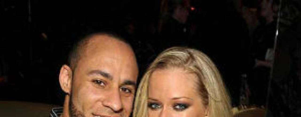 Kendra Wilkinson, la famosa conejita de Playboy, está casada con el receptor de la NFL, Hank Baskett.