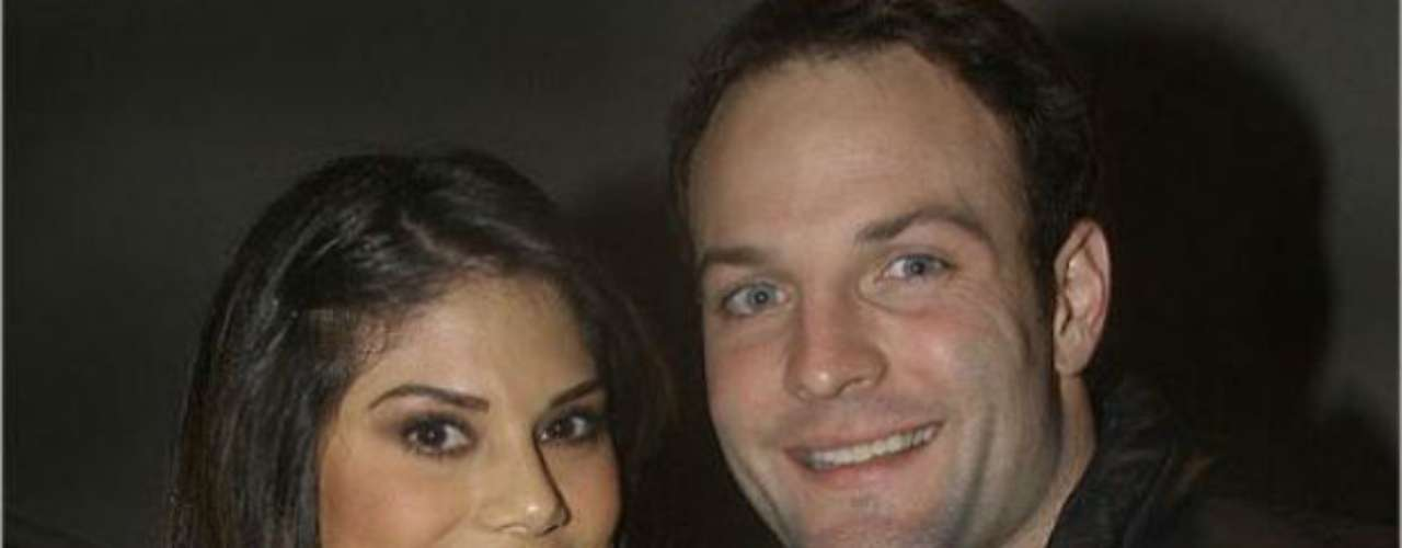 Ann Burns, Hooters model, is the girlfriend of Patriots receiver, Wes Welker.