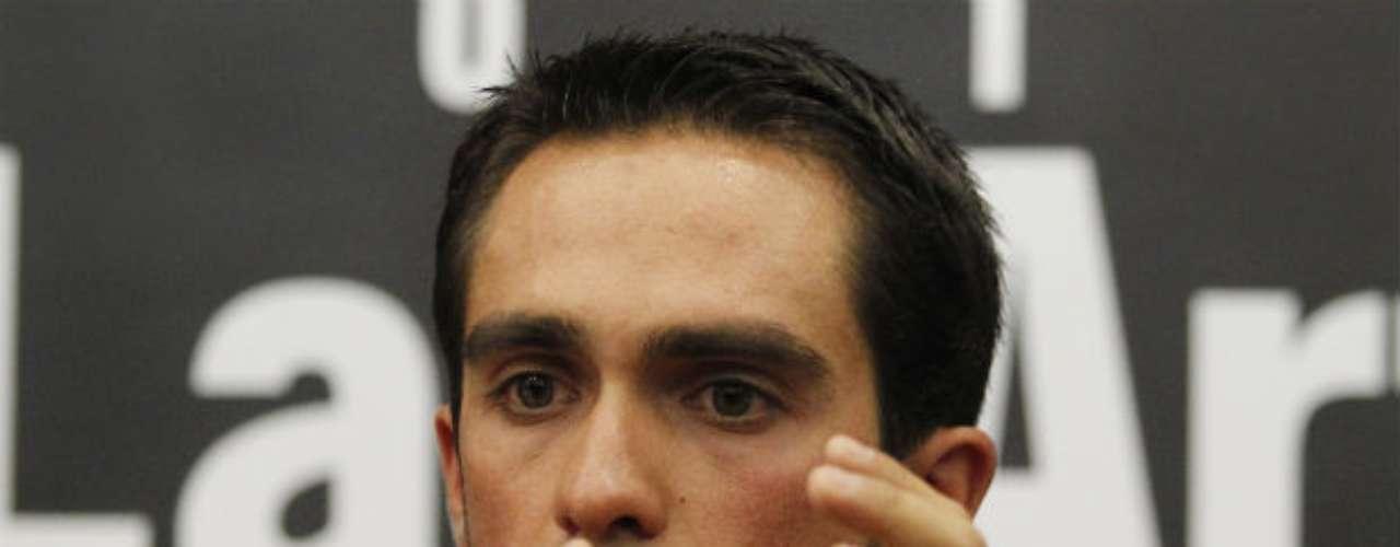 El Tribunal de Arbitraje Deportivo (TAS) condenó al ciclista español Alberto Contador de positivo por consumo de clembuterol durante el Tour de Francia 2010. La sanción fue por dos años aunque a inicios del 2011 fue absuelto de su presunto positivo por el Comité de Competición de la Real Federación Española de Ciclismo. Ahora el ibérico ha vuelto a las competencias.