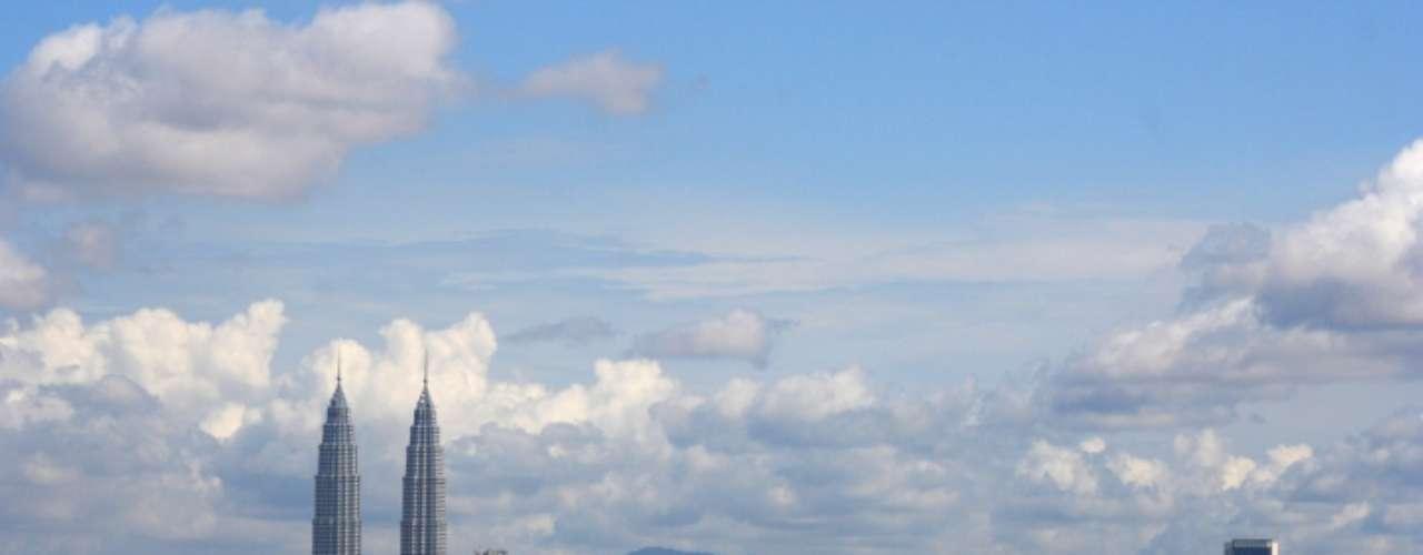 Kuala Lumpur, en Malasia, es otra ciudad que logra sofocar al ser humano gracias a su elevada temperatura.