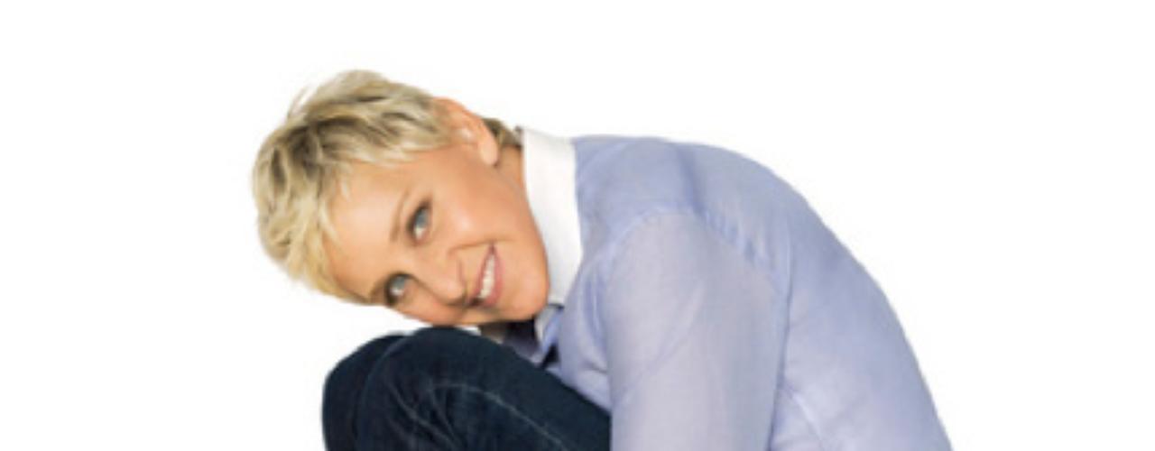 Ellen DeGeneres - @TheEllenShow - Más de 13.000.000 seguidores. El humor es la clave de Ellen para atraer a sus millones de 'followers'. Ingenio en 140 caracteres y alguna imagen irónica, como su fotografía intentado imitar a Miley Cyrus y su nuevo corte de pelo, son suficientes para que sus seguidores aumenten como la espuma, en su mayoría reales.