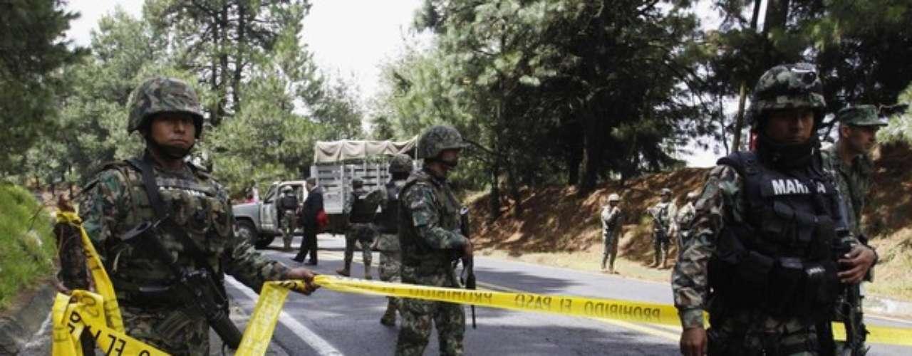 El ejercito mexicano acordonó y aseguró la zona para que las autoridades locales pudieran comenzar la investigación