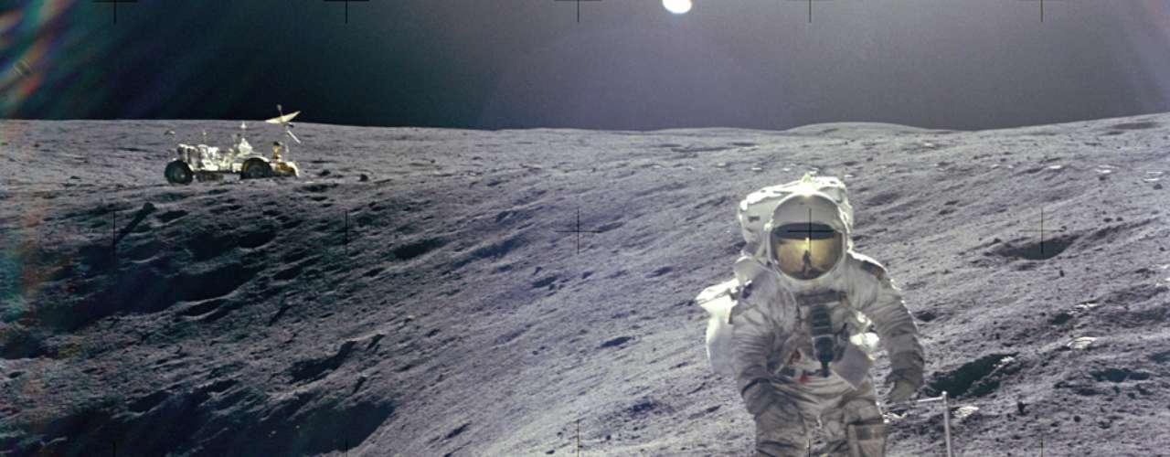 Charles M. Duke Jr. Apolo 16, 1972. Nacido en 1935.