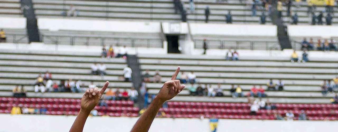 Xolos celebrate Pellerano's goal