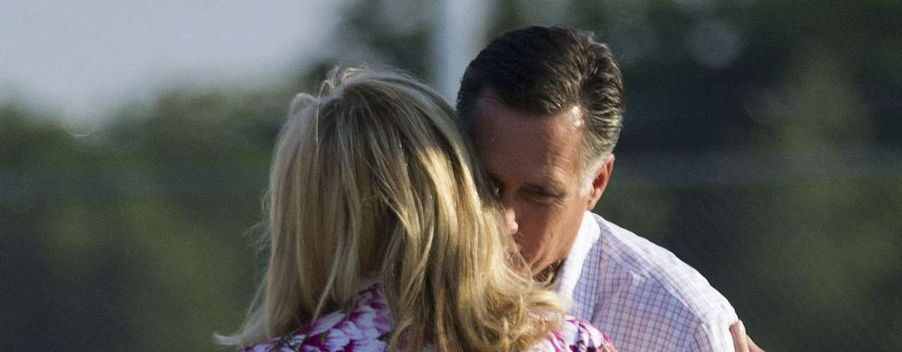 ¡Con las manos en la masa! Así capturaron a Mitt Romney en Scranton, Pensilvania, el pasado 15 de junio.