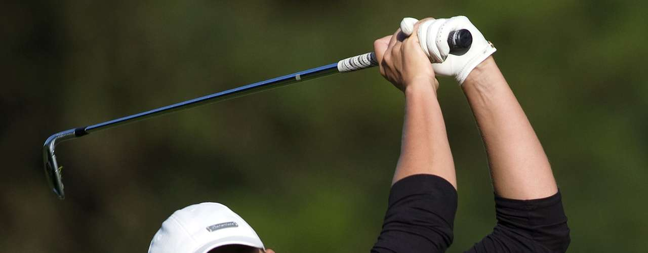 Jessica Shepley of Canada hits an approach shot on the 5th hole during the final round of the LPGA Canadian Women's Open golf tournament in Coquitlam, British Columbia August 26, 2012. REUTERS/Ben Nelms (CANADA - Tags: SPORT GOLF)